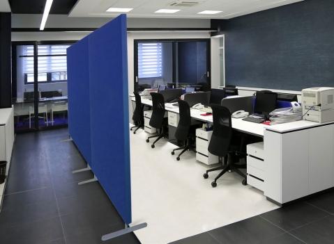 Divisori fonoassorbenti ufficio fibra di ceramica isolante for Divisori per scrivanie ufficio